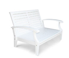 Cayman White Loveseat